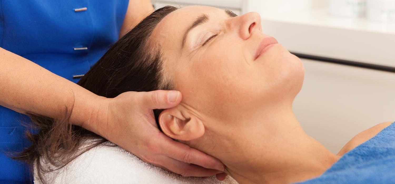 Nek massage bij Van Iersel Wellness&Beauty Oosterhout